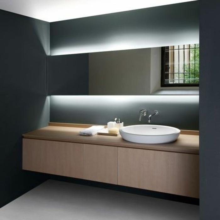 1-éclairage-indirect-pour-la-salle-de-bain-murs-gris-dans-la-salle-de-bain-moderne