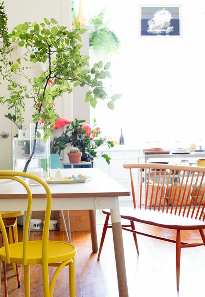 1-accorder-les-couleurs-dans-la-salle-à-manger-de-style-scandinave-avec-meubles-en-bois-clair