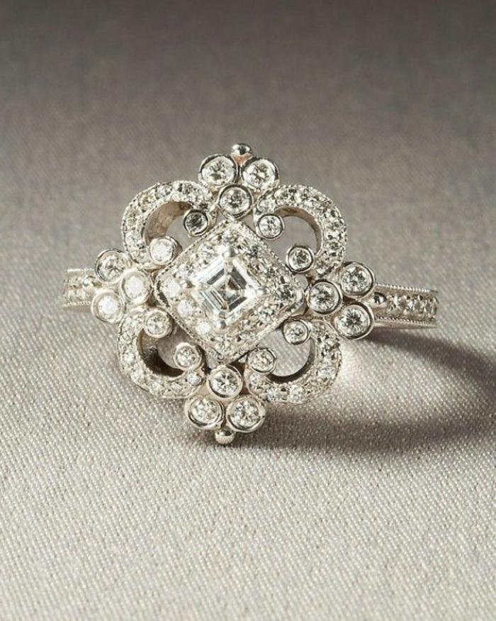 1-beaucoup-de-diamants-pour-la-meilleure-bague-fiançaille-cartier-pour-elle-bague-fiançaille-cartier