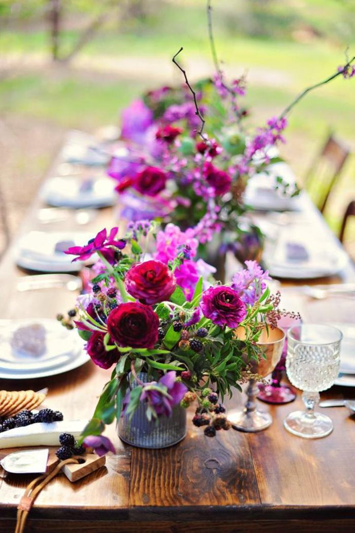 1-bouquet-garnis-coloré-pour-bien-decorer-la-table-avec-un-joli-bouquet-de-fleurs