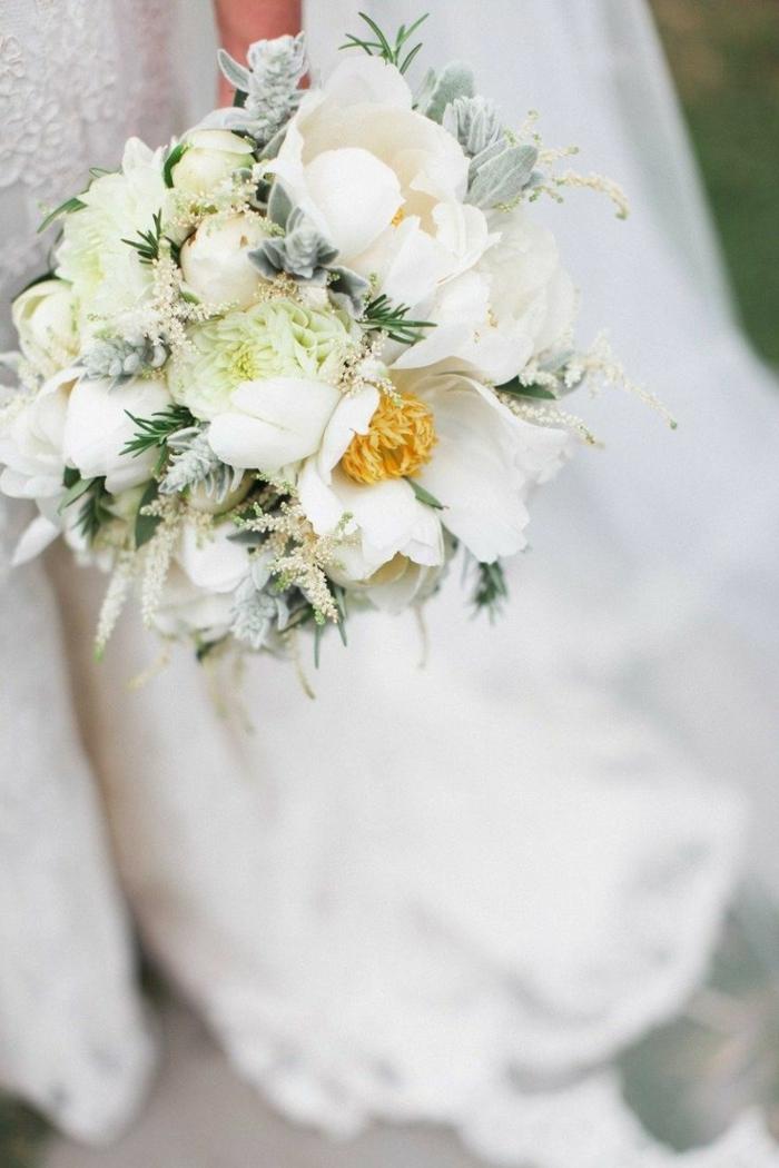 1-bouquet-mariée-original-avec-fleurs-blancs-comment-choisir-un-bouquet-de-mariage