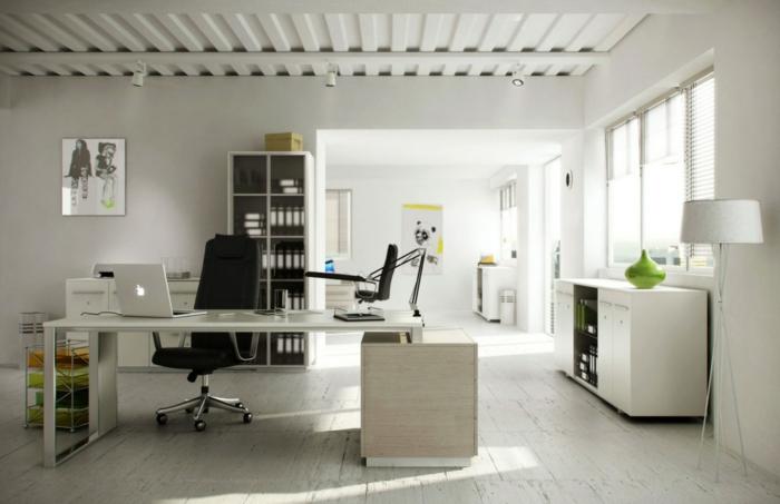 1-comment-creer-un-bureau-feng-shui-sol-en-planchers-en-bois-clair-meubles-claires-et-chaise-noire