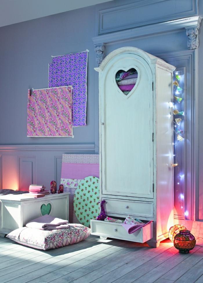 1-conforama-armoire-enfant-design-moderne-et-original-à-la-fois-murs-bleus-pour-la-chambre-d-enfant-coloré