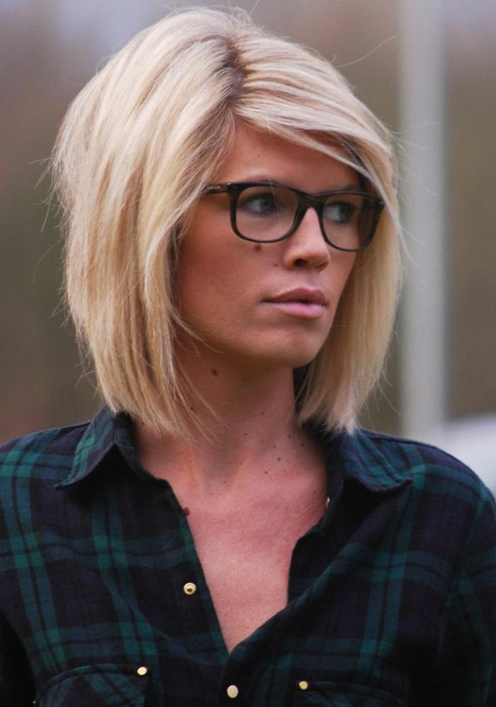 Cheveux avec des stries blondes