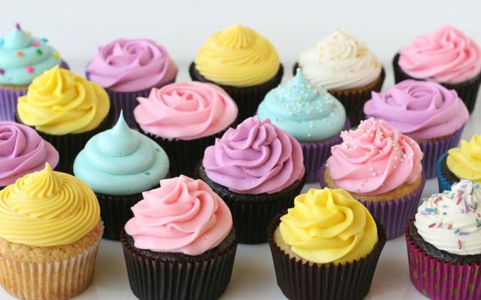 1-glaçage-cupcake-différeint-idées-chocolat-fruit-glaçage-pour-cupcake-le-glacage-a-cupcake