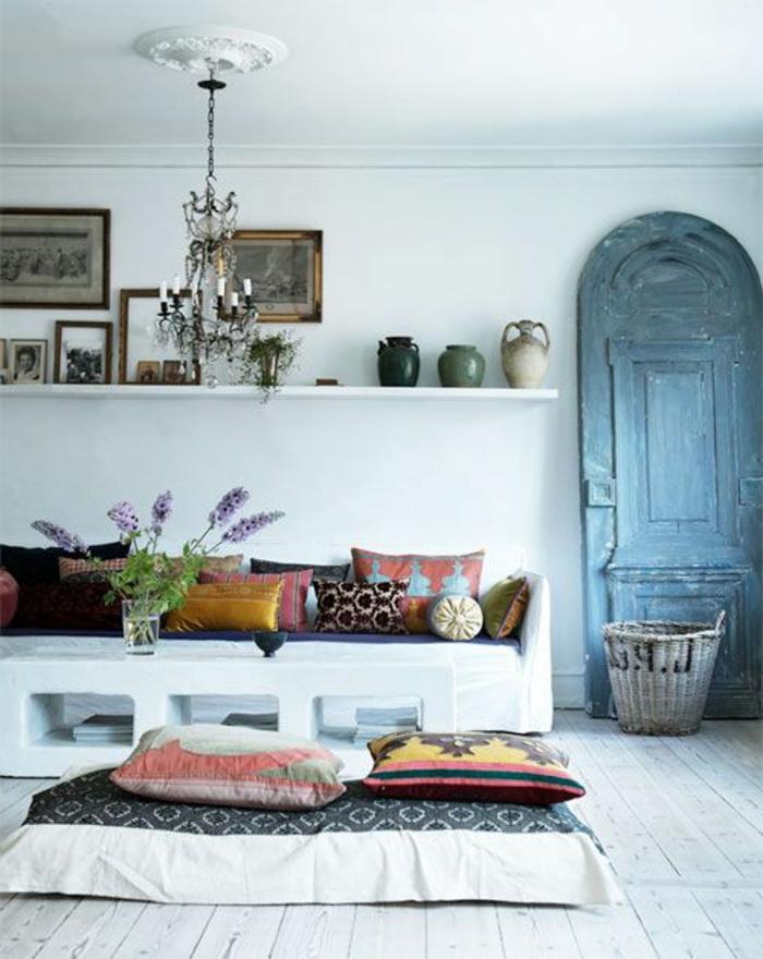 1 Deco Salon Marocain Murs Blancs Canape Marocain
