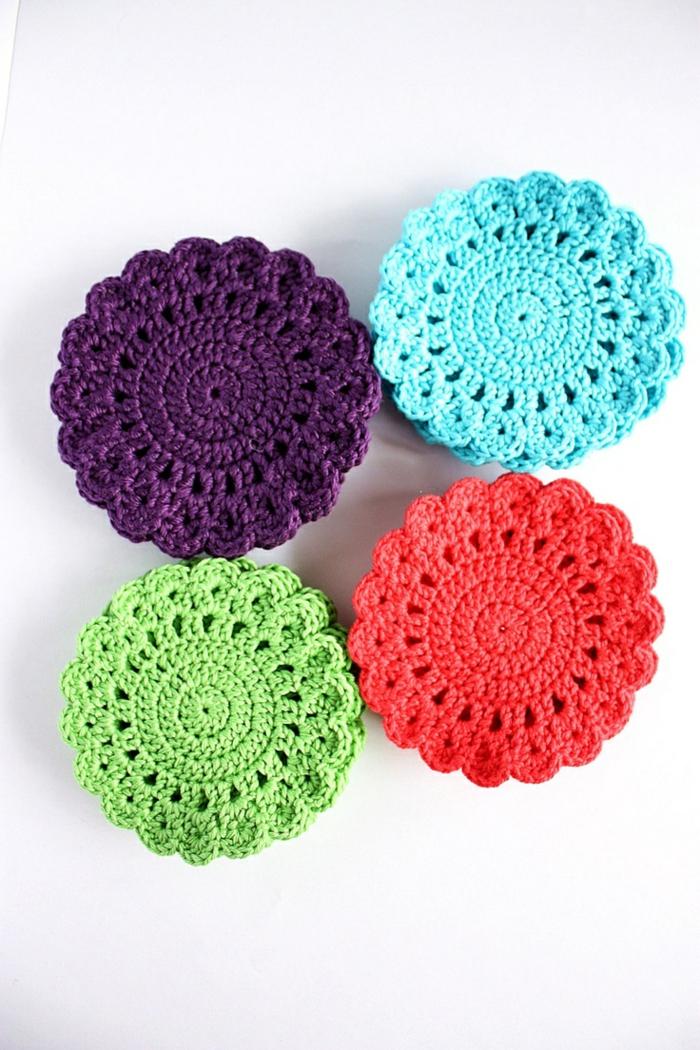 1-encadrement-sous-verre-dessous-de-plat-ikea-colore-tricote-a-main