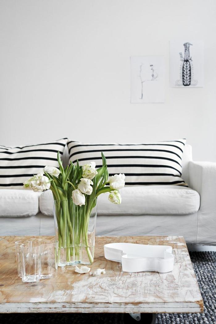 1-gros-coussin-pour-canapé-coussins-blancs-et-noires-fleurs-pour-la-table-de-salon-tulipes-blanchers