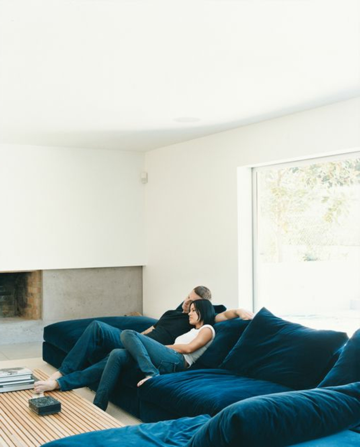 Le gros coussin pour canap en 40 photos - Canape d angle avec coussin ...