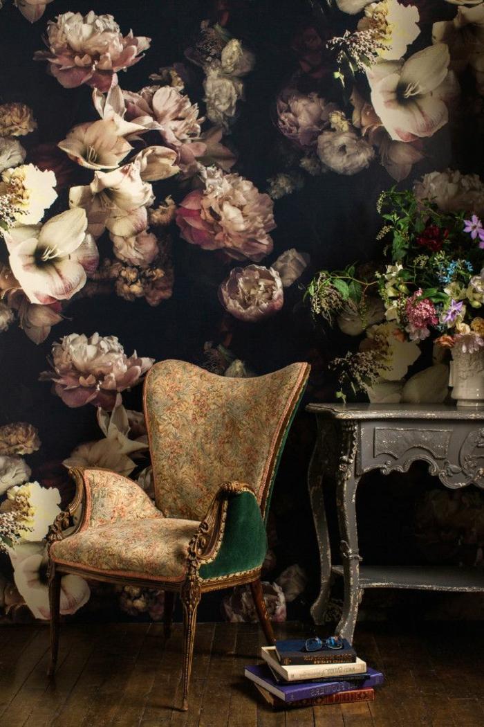 1-joli-papier-peint-fleuri-pour-tapiser-les-murs-dans-le-salon-moderne