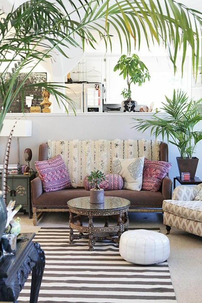 1-joli-salon-marocain-le-bon-coin-salon-marocain-tapis-a-rayures-blanc-gris-plante-verte