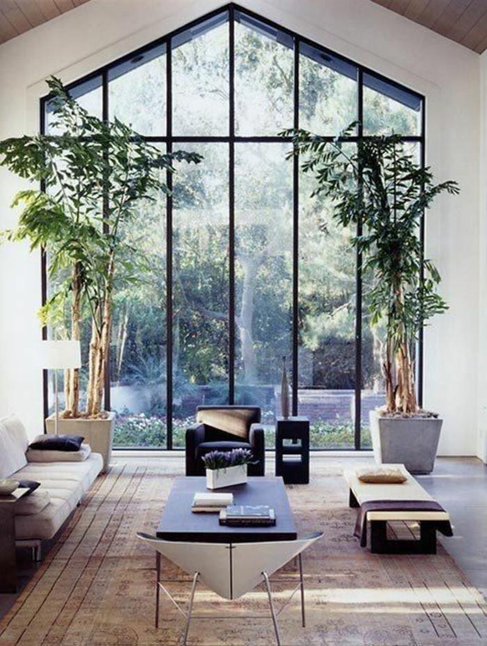 ... dinterieur moderne et sol en planchers en bois clair et plantes vertes