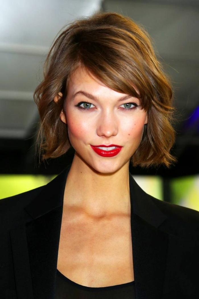 1-jolie-coupe-de-cheveux-dégradé-femme-2015-tendance-dans-les-coiffures-modernes-levres-rouges