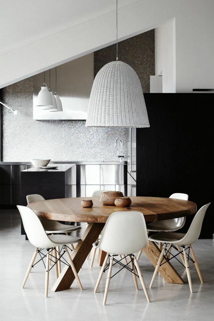 1-jolie-salle-a-manger-complete-pas-cher-avec-table-ronde-en-bois-massif-et-lustre-gris-en-rotin
