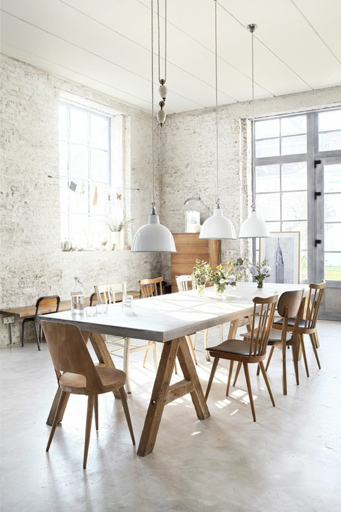 1-jolie-salle-a-manger-contemporaine-complete-avec-murs-de-briques-blancs-et-lustres-blancs