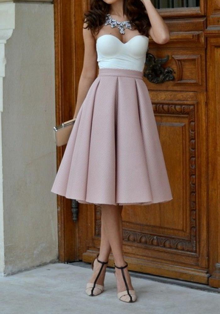 1-jupe-parapluie-rose-pale-et-talons-hauts-beige-et-noir-pour-les-filles-modernes