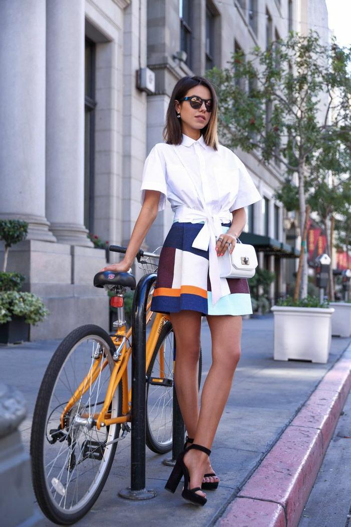 1-jupe-sequin-coloré-pour-les-filles-modernes-avec-outfit-moderne-jupe-courte