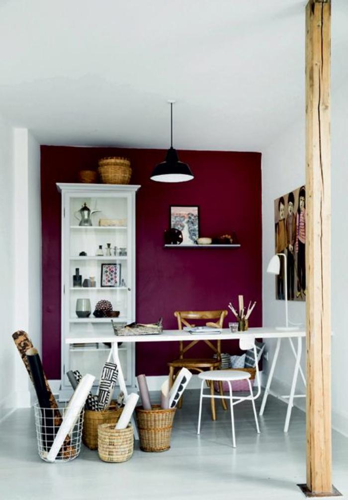 La couleur bordeaux un accent dans l int rieur contemporain - Choisir la couleur des murs ...