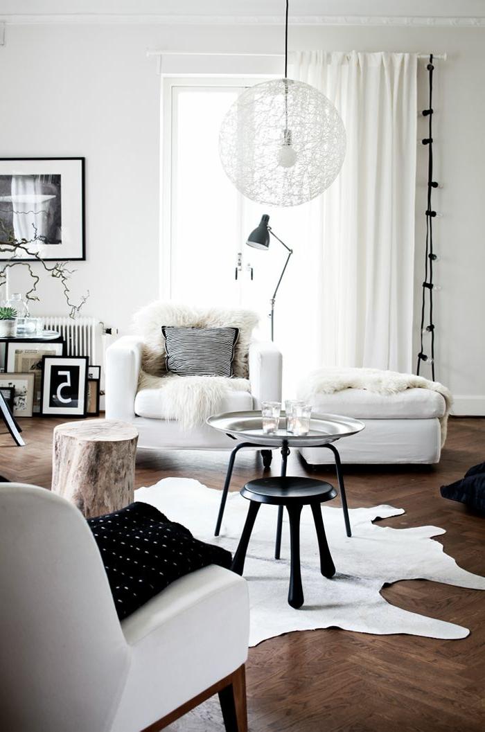 1-lampadaire-design-boule-blanche-meubles-blancs-pour-le-salon-moderne-avec-sol-en-parquet