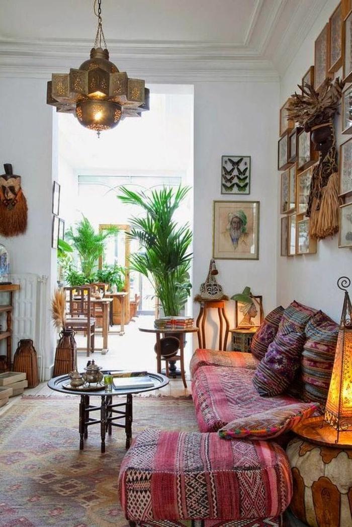 1-le-bon-coin-salon-marocain-canapé-marocain-coussins-colorés-dans-le-salon-moderne