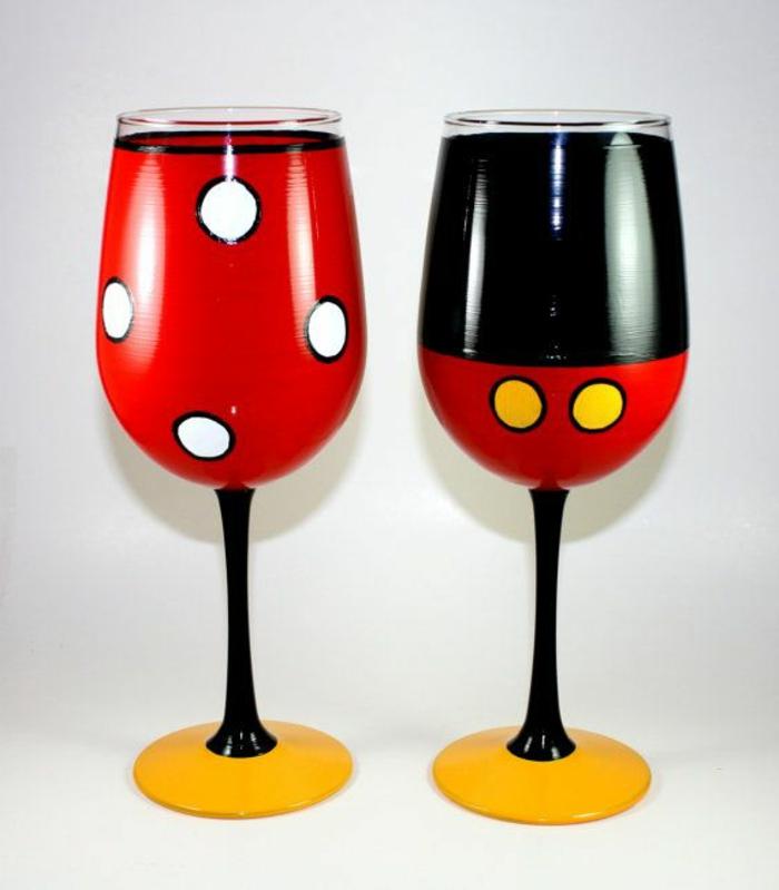 1-les-plus-beaux-verres-a-vin-bien-decorer-avec-peintures-joli-verre-a-vin