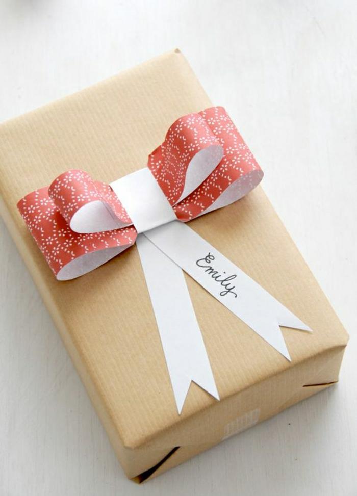 1-papier-cadeau-original-pliage-de-cadeau-en-papier-comment-decorer-un-joli-cadeau