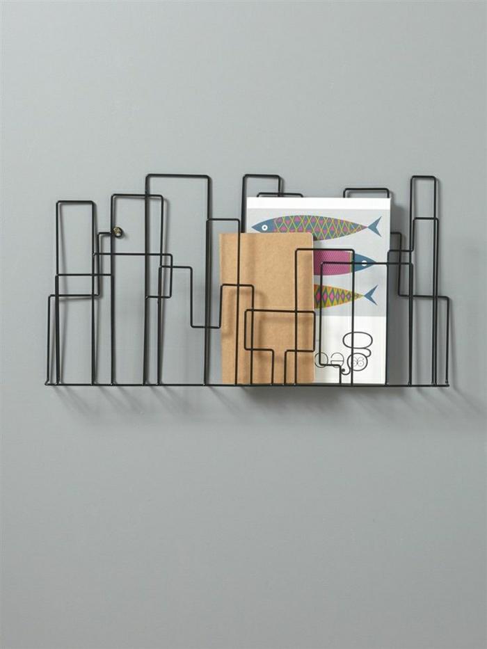 1-porte-revue-en-fer-noir-porte-revue-mural-en-fer-pour-les-murs-gris-dans-le-salon