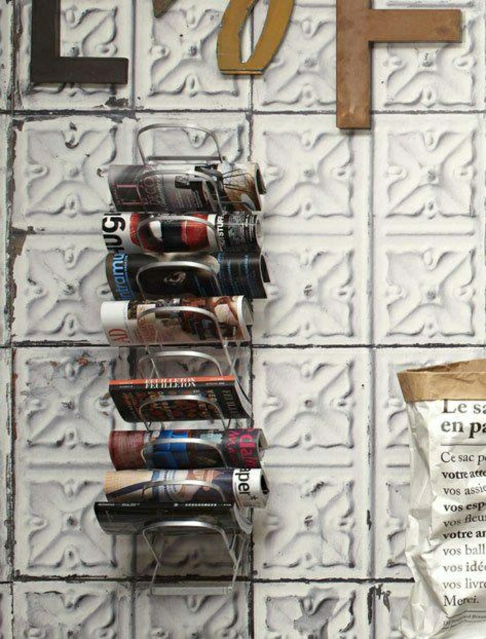 1-porte-revues-conforama-en-fer-gris-pour-bien-decorer-les-murs-porte-revues-conforama-mural