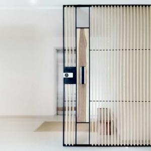 Créer un intérieur pratique avec la porte à galandage!