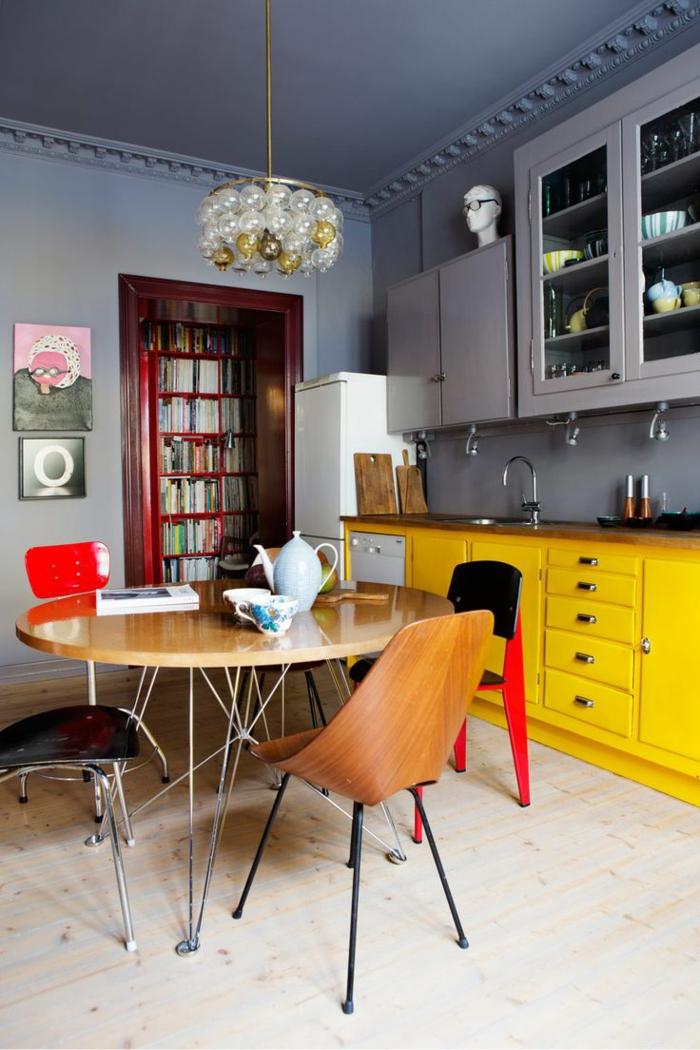 1-salle-à-manger-complète-conforama-avec-meubles-jaunes-et-gris-comment-amenager-la-cuisine
