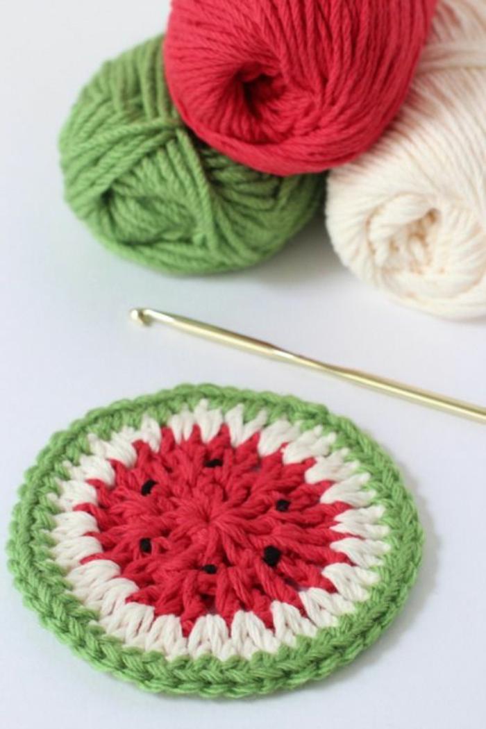 1-sous-verre-60x90-tricote-a-la-main-comment-decorer-et-choisir-un-dessous-de-plat-ikea