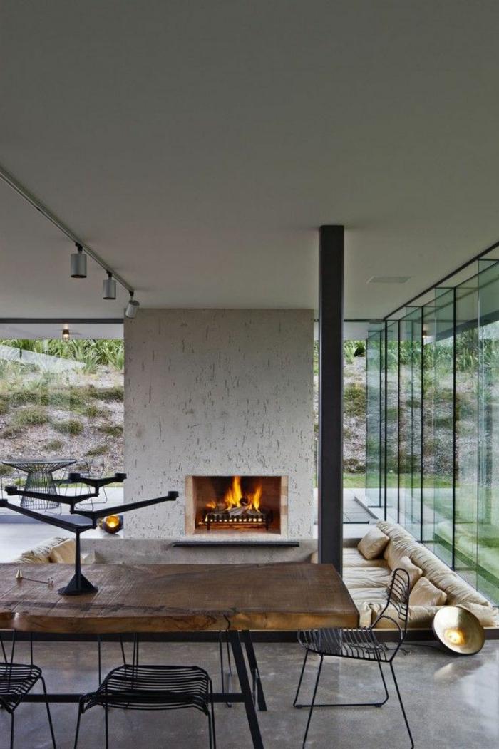 1-table-carrée-salle-à-manger-contemporaine-en-bois-massif-avec-chaises-en-fer-forgé-et-cheminée-d-intérieur