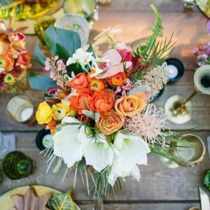 Un joli et gros bouquet de fleurs pour créer une ambiance joviale chez vous!