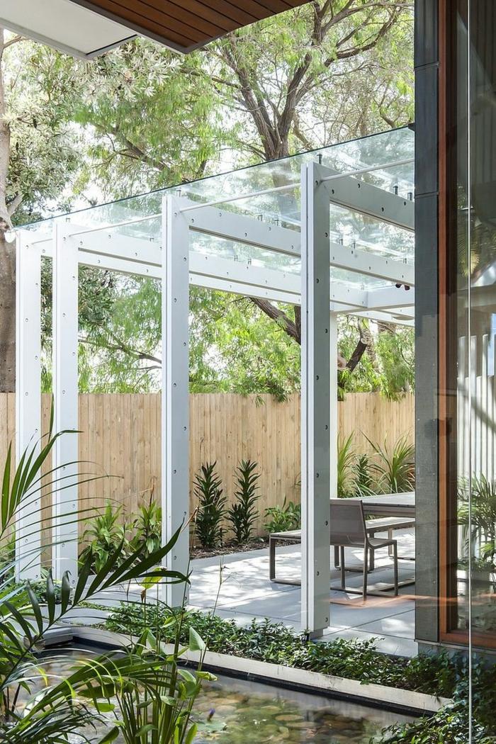 1-verrière-de-toit-et-de-murs-comment-avoir-une-chambre-pleine-de-lumiere-chambre-en-verre