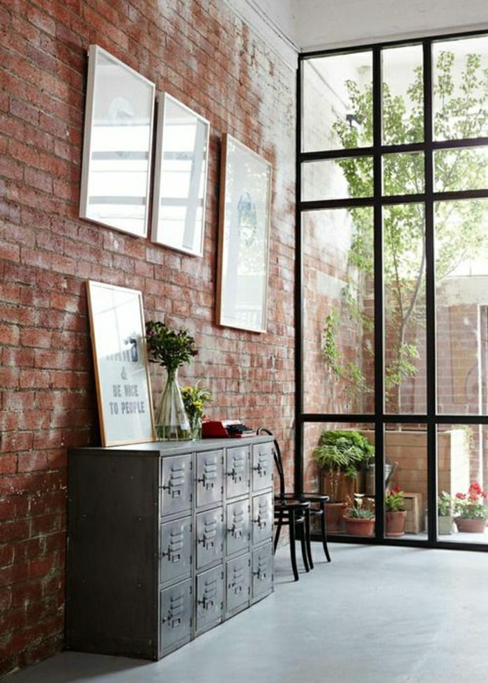 1-verriere-d-interieur-pour-avoir-un-joli-maison-d-esprit-loft-avec-murs-en-briques-rouges