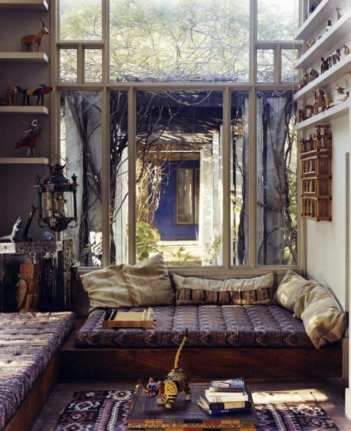 2-adopter-le-style-marocain-dans-le-salon-meubles-d-interieur-colorés-petite-table-basse