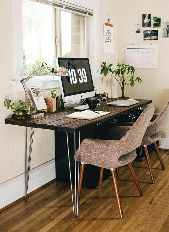 2-astuces-feng-shui-pour-creer-un-joli-amenagement-feng-shui-table-en-bois-foncé-pour-le-bureau-domicile