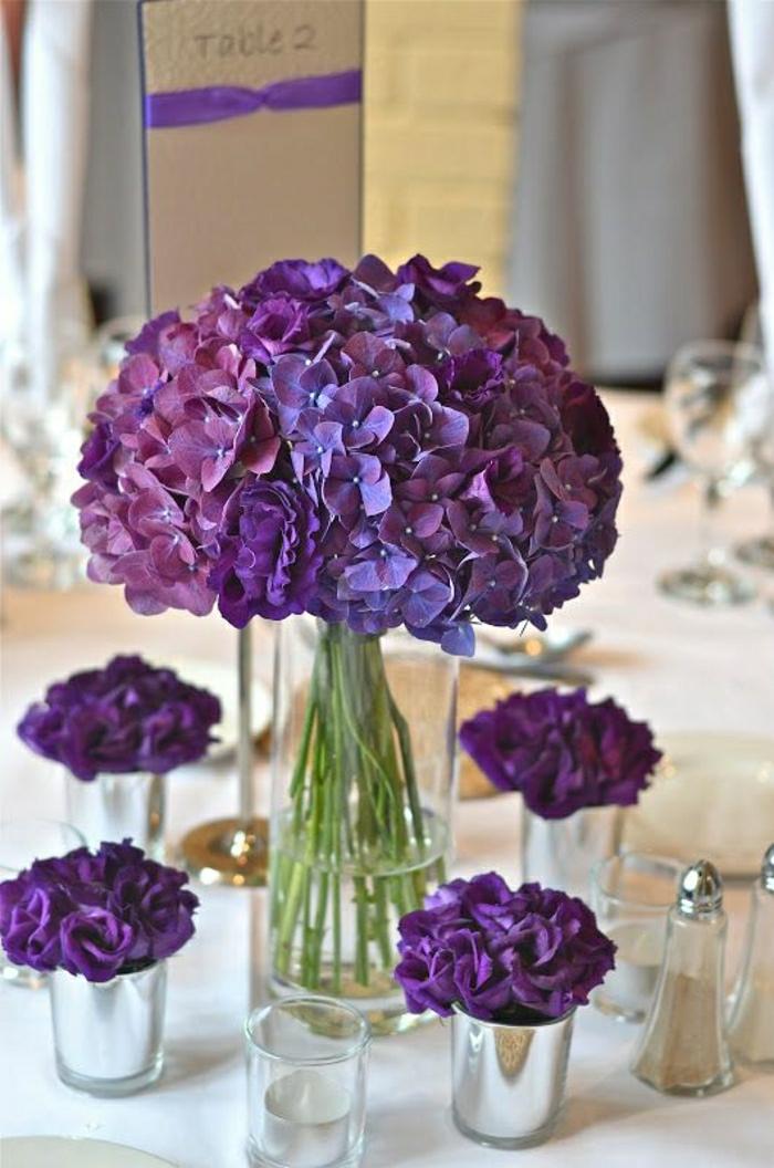Un gros bouquet de fleurs pour cr er une d coration de table - Quel aspirateur de table choisir ...