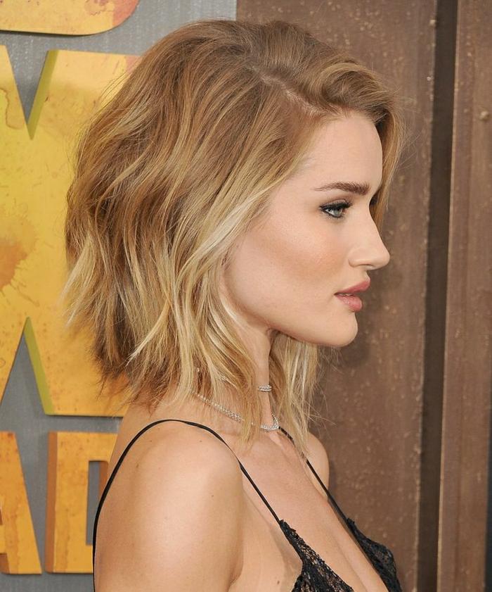 2-coupe-de-cheveux-femme-porte-par-les-stars=cheveux-blonds-coupe-de-cheveux-mi-long-femme-2015