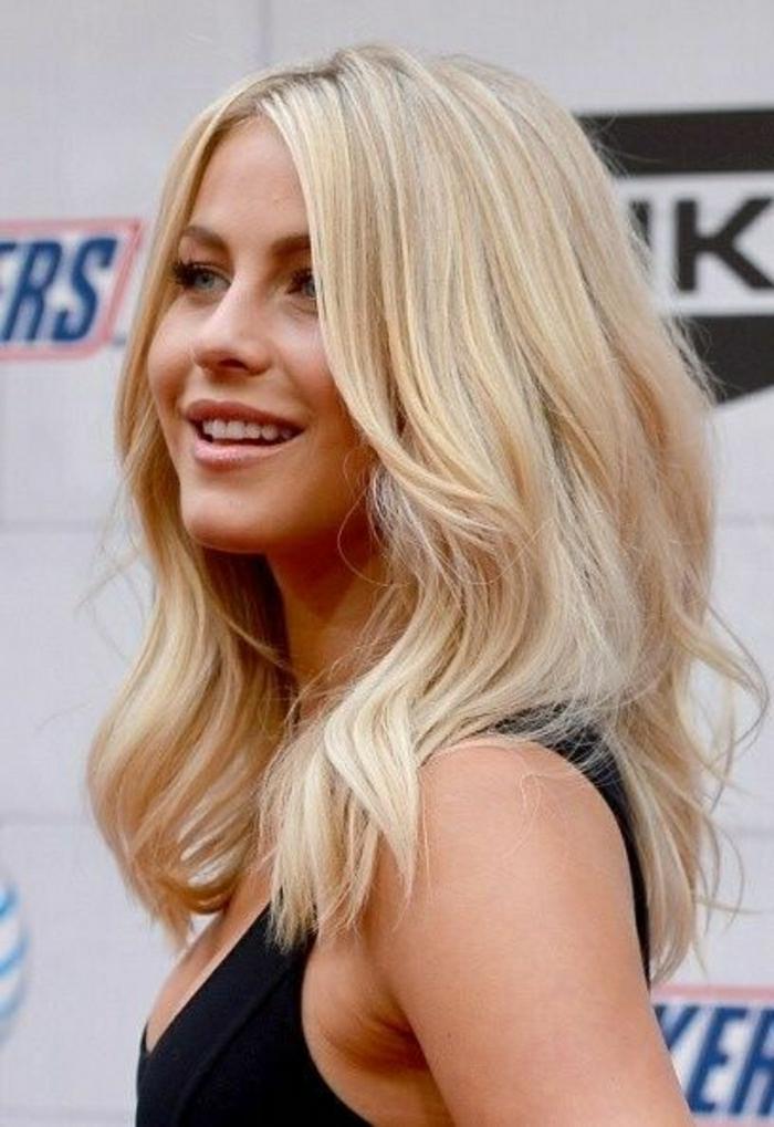 2-coupe-de-cheveux-mi-long-femme-2015-cheveux-blonds-et-robe-noire