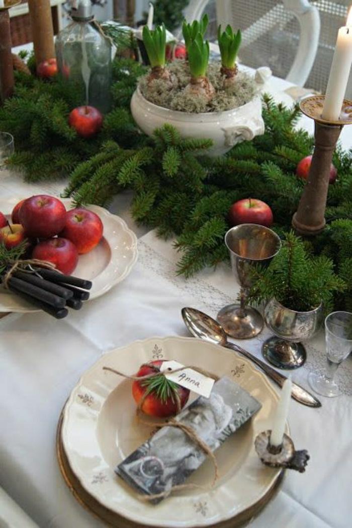 2-la-plus-belle-decoration-pour-la-table-avec-un-branche-de-sapin-vert