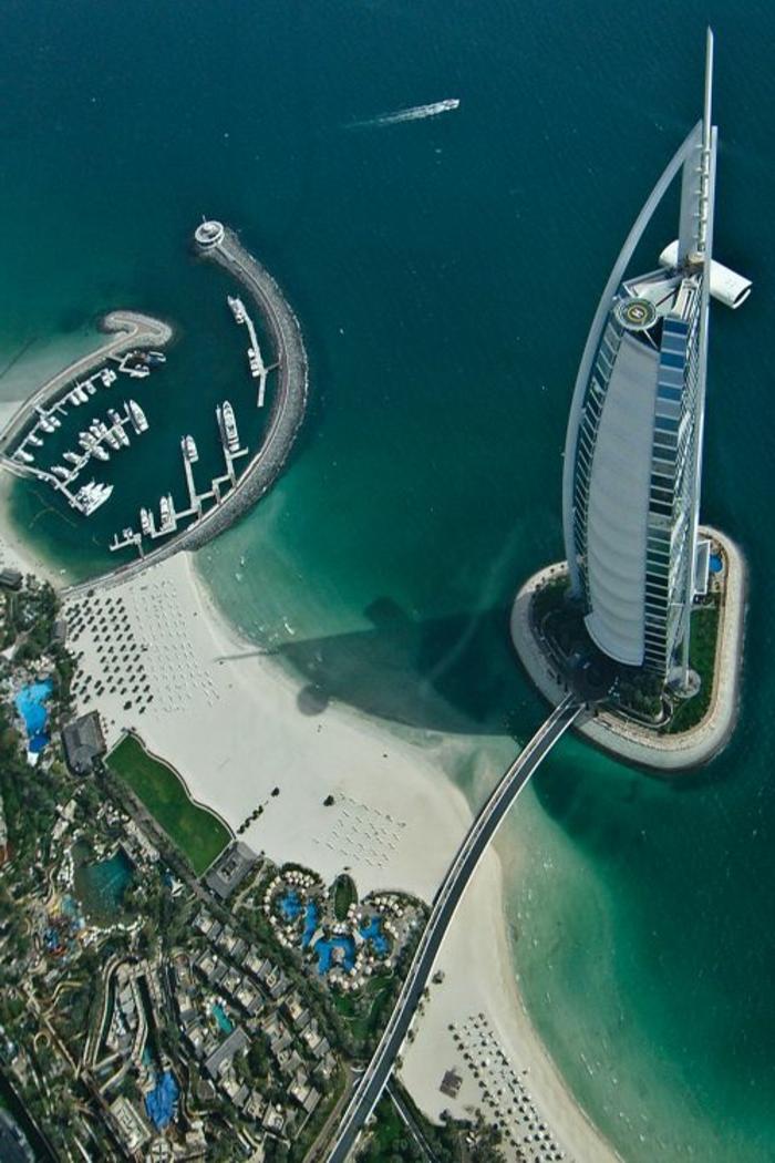 2-les-plus-hauts-grattes-ciel-du-monde-burj-al-arab-dubai-au-bord-de-la-mer-grattes-ciels-hauts-
