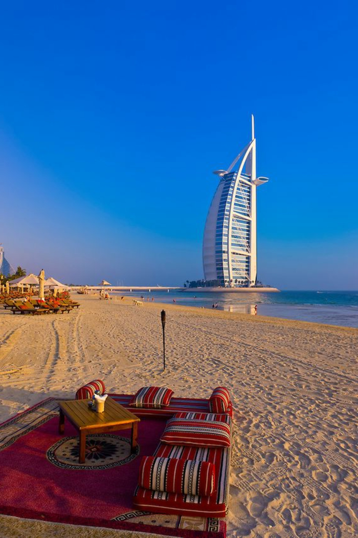 2-les-plus-hauts-grattes-ciel-du-monde-burj-al-arab-dubai-batiment-haut-magnifique-vue-sur-la-plage