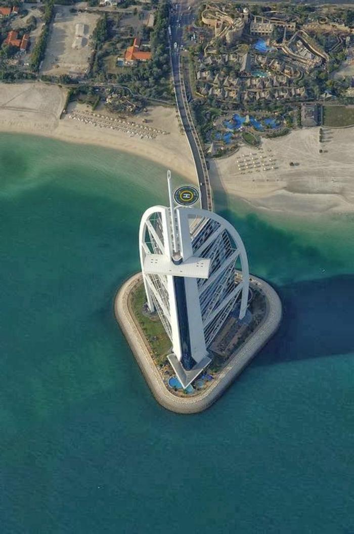 2-les-plus-hauts-grattes-ciel-du-monde-burj-al-arab-dubai-batiment-haut-magnifique-vue