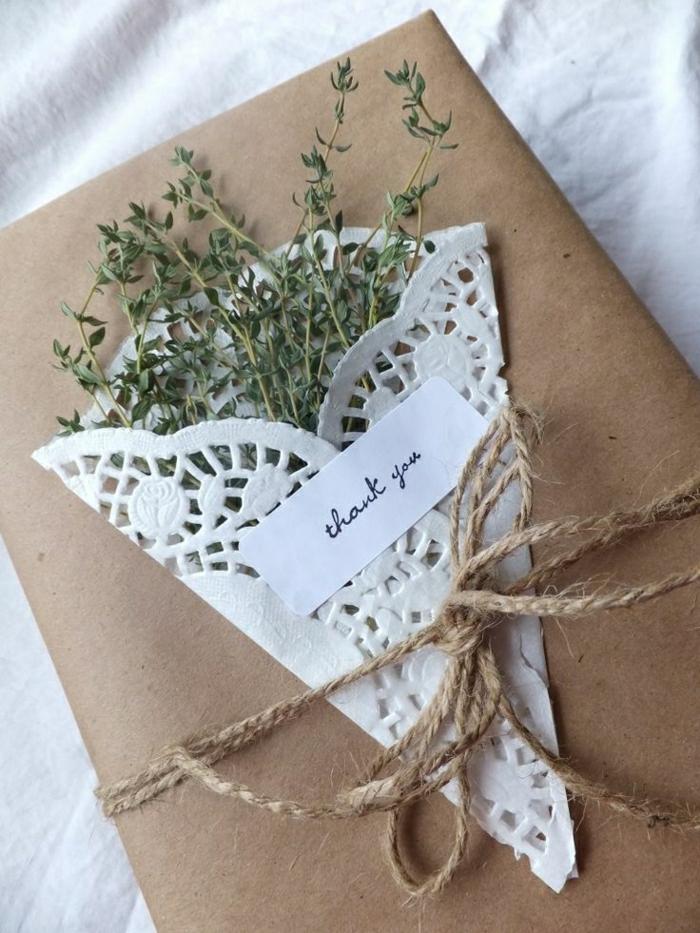 2-papier-cadeau-original-comment-bien-decorer-un-cadeau-pour-votre-fete-une-jolie-surprise