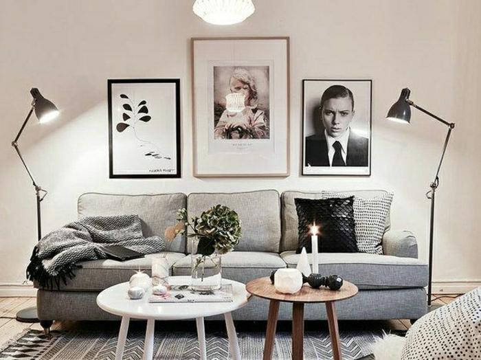 20-lampe-de-salon-avec-canapé-gris-et-table-ronde-en-bois-et-peintures-muraux