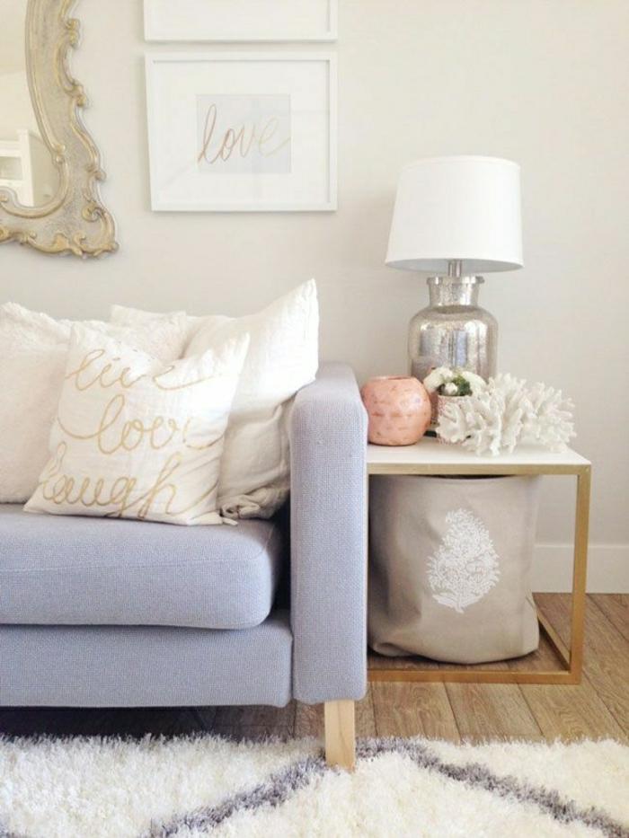 21-jolie-lampadaire-conforama-pour-le-salon-avec-canapé_violet-clair-et-coussins-blancs