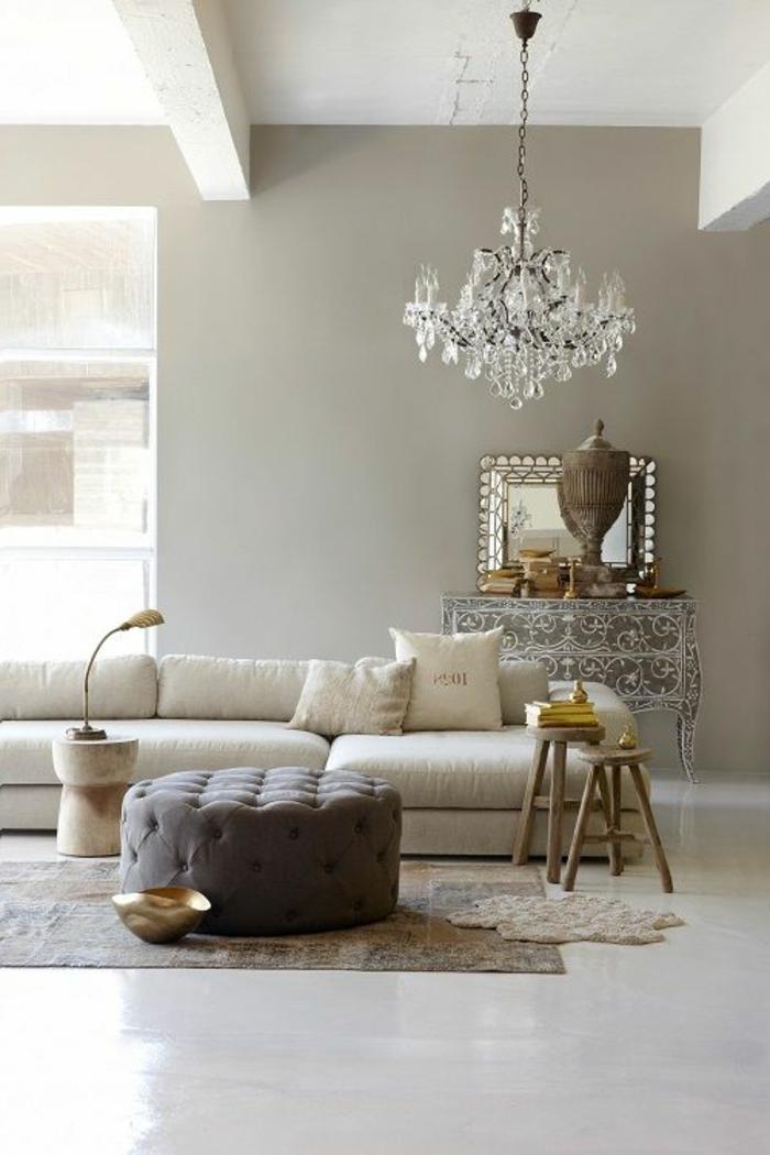 22-significations-des-couleurs-salon-avec-mus-beiges-et-sol-en-lino-blanc-la-couleur-taupe