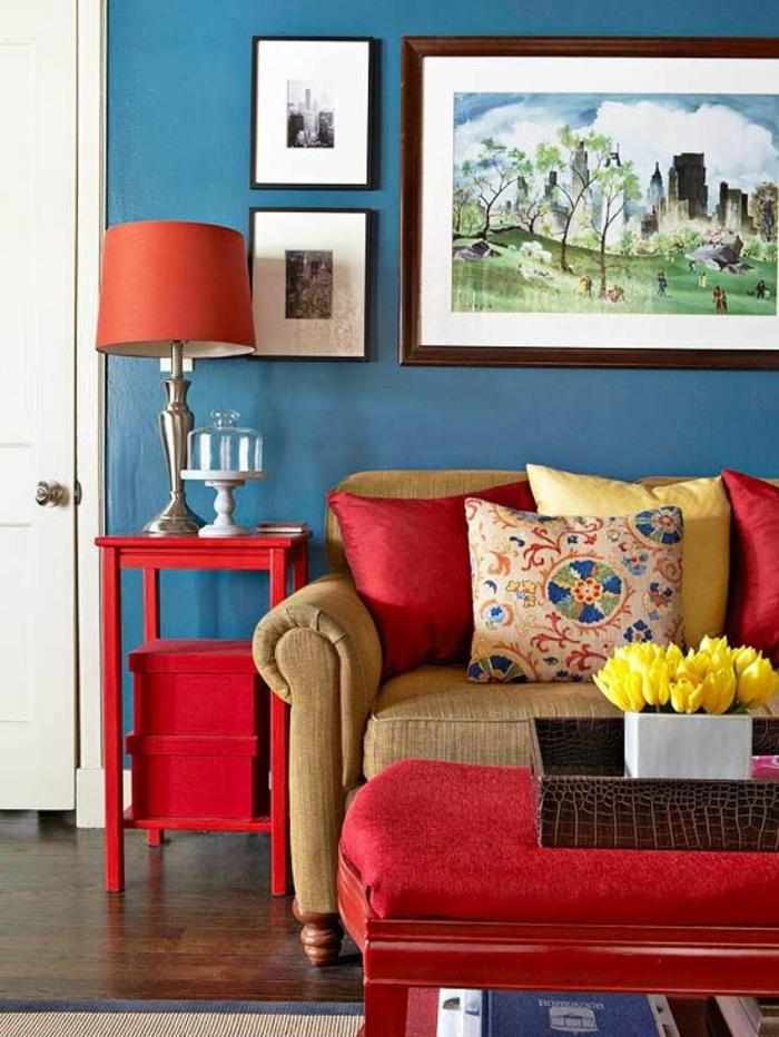 33-significations-des-couleurs-symbolique-des-couleurs-pour-un-salon-rouge-avec-table-rouge-et-coussins-rouges