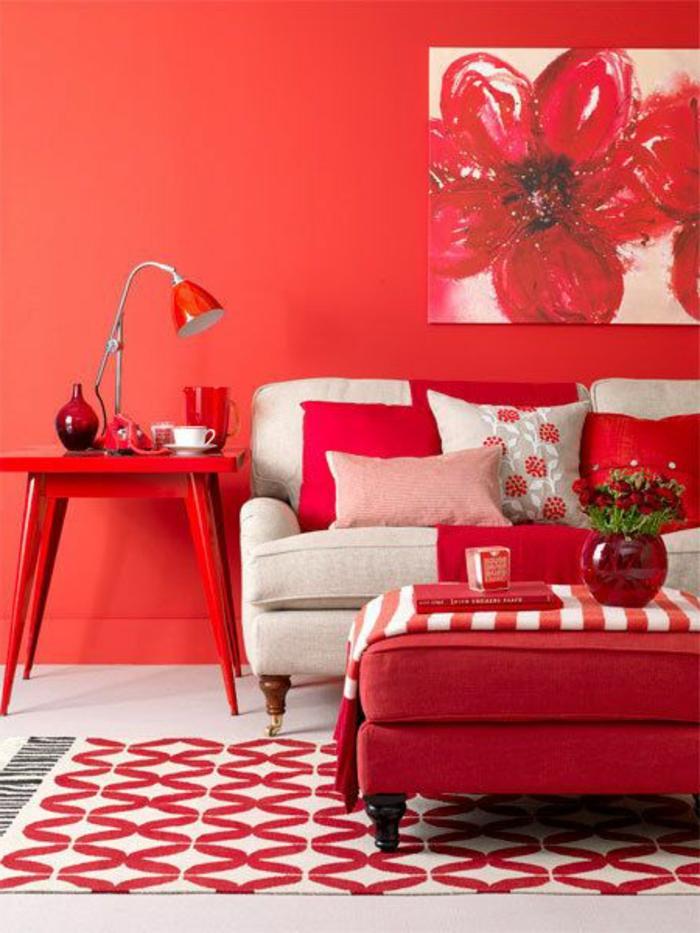 33-symbolique-des-couleurs-les-chambres-rouges-et-un-joli-tapis-beige-et-rouge-decorer-les-murs